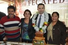 Benoit Hamon visite une coopérative bolivienne - es-es -> à traduire Vignette