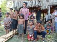 Le choc de la précarité avec les paysans cambodgiens Vignette