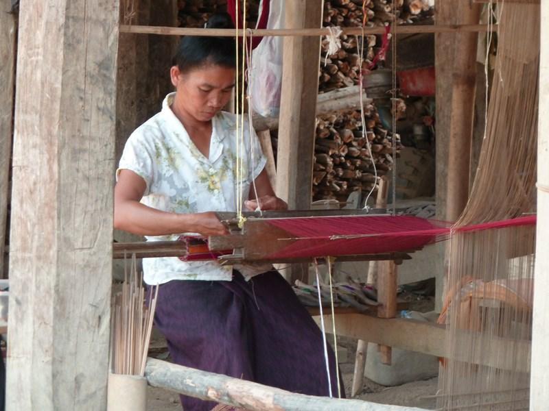 Tissaoge_Femmes_Oudomxai_Laos_FredericApollin_2013.JPG